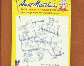 Vintage 1980's Aunt Martha's 3400 Dottie The Duck Days of the Week  Embroidery Transfer UNCUT UNUSED