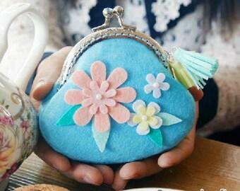 Handmade Flowers Metal frame purse / coin purse / Coin Wallet / Pouch / Kiss lock frame bag Cyber Monday (HM3)