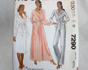 Vintage McCalls Sewing Pattern 7290 Misses' Robe and Pajamas 1980 Size 6,8
