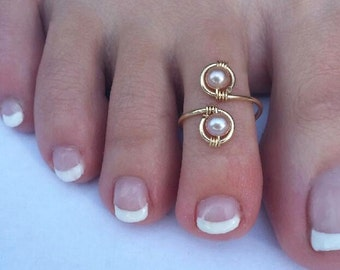 Genuine 14K Gold and Mauve Peach Pearl Elegant Toe Ring