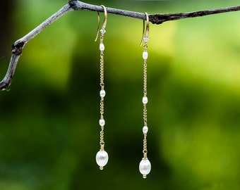 635_Gold earrings, Dangle earrings, Earrings dangle, Pearl earrings, Earrings, Pearls, Jewelry, Pearl jewelry, Jewelry earrings, Handmade.