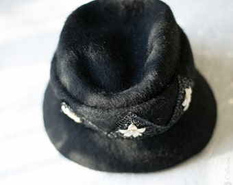 1950s Black Cloche Hat - Henry Pollak Inc. 22 inch.  //  Vintage Wool, Lucite, Beaded with ribbon Band.