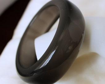 Gray Wavy Bangle -  Vintage Thick Lucite - Collectible Bracelet