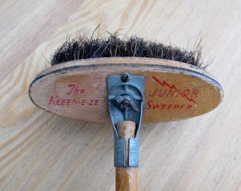 1950s KEEN-E-ZE Broom Junior Sweeper Mid Century Bristle Brush Kleeneze Vintage Kitchen Cleaning