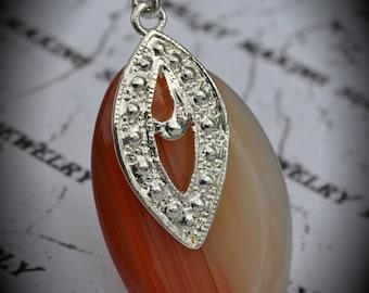 Unique Large Silver Plated Agate Pendant (8123)
