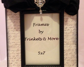 Black and White Damask with Black Bow Picture Frame