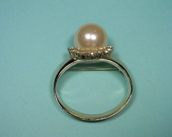 Classic Vintage Faux Pearl Ring Brooch or Pin, Rhinestones, Signed