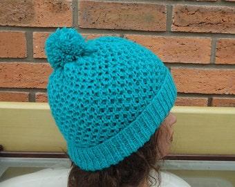 Knit Unisex Hat in Aqua Blue, Honeycomb Hat for Women, Honeycomb Hat for Men, Ski Hat in Aqua Blue, Beanie, Pom Pom Hat, UK Seller