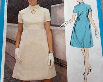 Vogue pattern # 2318 designer Teal Traina 1970's dress