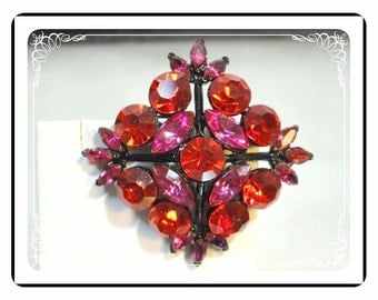 Fuchsia Pink Brooch  - Diamond Shaped with a Black Japanned Setting   Pin-1338a-120312000