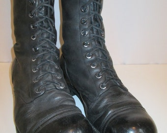 circa 1961,now on sale  VIETNAM black leather cap toe ARMY combat lace boots with cats paw soles size 8.5