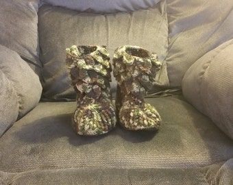 camo crocodile stitch slippers