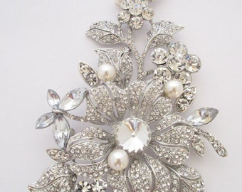 Bridal brooch,wedding brooch,rhinestone brooch,wedding accessories,bridal jewelry,wedding jewelry brooch,wedding hair comb,pearl brooch,clip