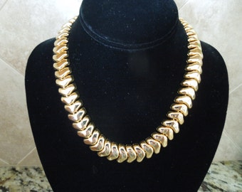 Vintage Necklace.  Gold Toned, 18 Inches Link Necklace.  Excellent Condition.