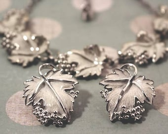 1959 Sarah Coventry Whispering Leaves necklace and clip earrings