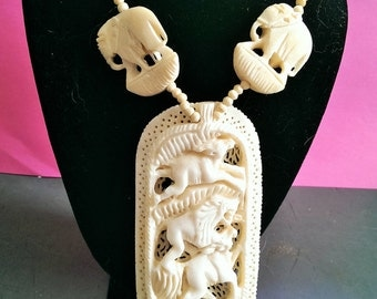Vintage Bone Carved Boehmian Tribal Necklace 1970s India