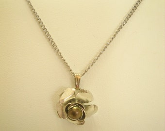 Vintage Silver Tone Rose Pendant Necklace (6337)