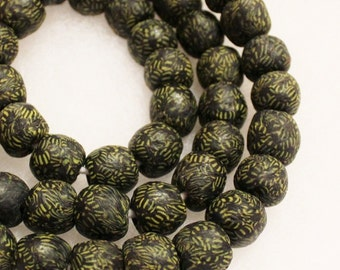 Black-Yellow African Glass Beads (10), Recycled Beads, Ethnic Beads (A90)