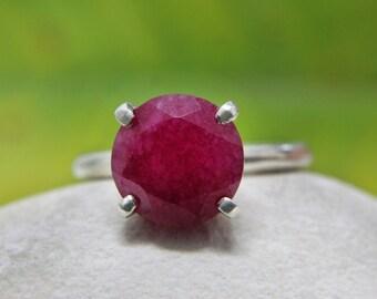 SUMMER SALE - Ruby ring,vintage ring,gemstone ring,simple prong ring,stone stacking ring,thin band ring,stacking ring