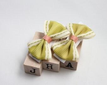 Baby girl hair clips - ribbon bow