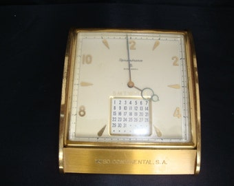 "Commercial presentation desk clock by ""Remembrance"""