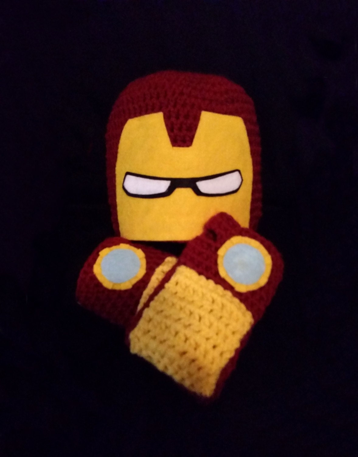 Free Crochet Pattern Iron Man Hat : Marvel Iron Man Crochet Hat and Fingerless Gloves: Newborn