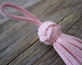 Faux suede tassel with Chinese knot - ONE, Light pink faux suede tassel for jewelry, bag charm, accessories, eco leather tassel, 1 pc.