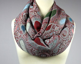 Paisley infinity scarf , chunky scarf, women accessories, gift for her