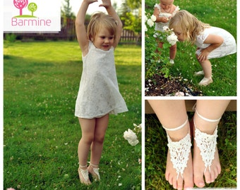 Flower girl barefoot sandal Crochet Toddler Barefoot Sandals Girl Foot accessory Photo prop Beach Anklet Lace Sandals Your choice of color