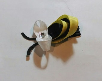 Bumble Bee Ribbon Sculpture Clip