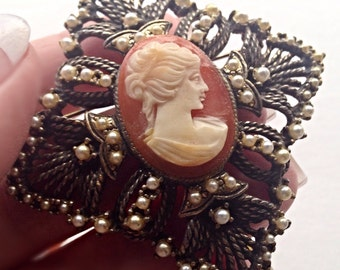 Vintage cameo brooch pendant filigree design with faux pearls