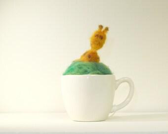 Giraff Teacup Pincushion