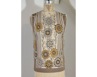 1960s Vintage Mod Mocha and Yellow Floral Print Sleeveless Knit Shell