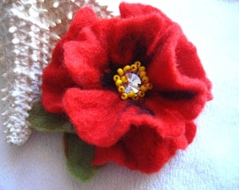 Red Poppy Felted Flower Brooch Pin with Swarovski,Wool Felt, Felted Wool, Felt Brooch, Flower Brooch, Pin, Felt Flower Pin, Beaded Flower