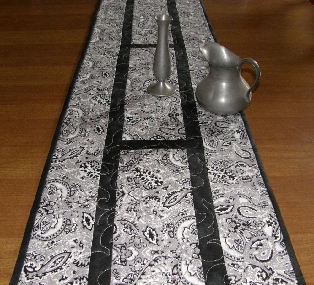 quilted table runner black silver white formal table runner. Black Bedroom Furniture Sets. Home Design Ideas