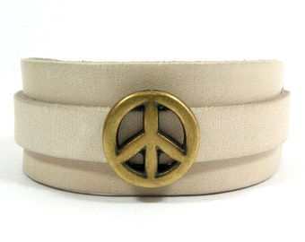 25mm Beige Adjustable European Leather Cuff Cuff Bracelet with Peace Slider  (25-002)