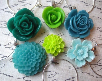 Green Wine Charms, Party Decor, Pretty Wine Charms, Set of 6, Wedding Favors, Hostess Gifts, Stocking Stuffer, Small Gift