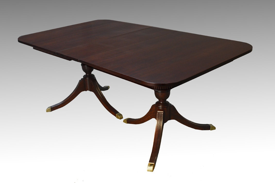16740 antique mahogany duncan phyfe dining table w 1 leaf for Dining table with leaf insert