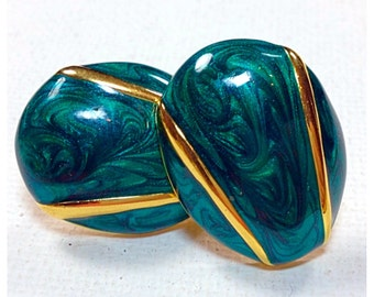 Vintage Green Enameled, Gold Accents Screw Back, Clip on  Earrings, Marbled, Swirled Green enameled earrings in Gold Setting