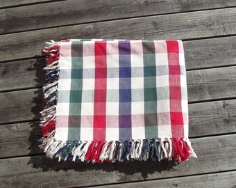 Big Checquered Cotton Vintage Tablecloth with Fringes. Swedish Vintage 1980s.