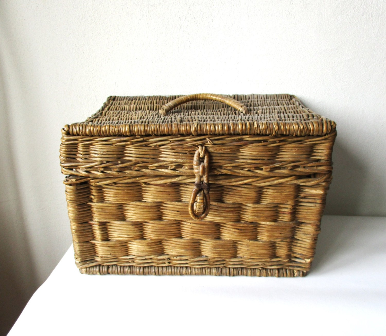 bo te en osier panier tiss antique en bois tress bo te de. Black Bedroom Furniture Sets. Home Design Ideas