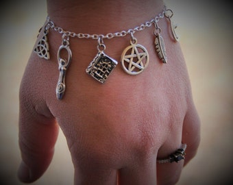 Wiccan Charm Bracelet - Pentacle Jewelry - Wiccan - Goddess Jewelry -  Beautiful Silver wiccan Jewelry - Wiccan Gift - Pagan Bracelet - star