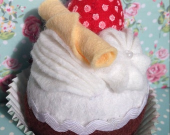 Felt Play Food - Felt Cupcake - Felt Cake - cupcake