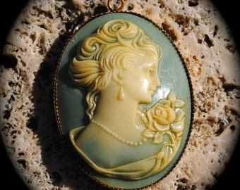 Vintage Cameo Necklace Vintage Green Cameo Pendant Mom Holiday Gift