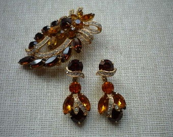 Vintage Eisenberg Ice Floral Multi Colored Rhinestone Gold Tone Brooch Pin Dangling Clip On Earring Set