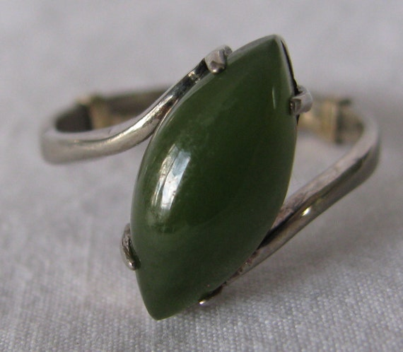 beautiful jade and sterling silver ring size 7 5 by cowdogger