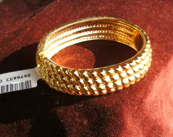 Golden Textured Bangle Bracelet- Never Worn,excellent condition! True Vintage See original listing