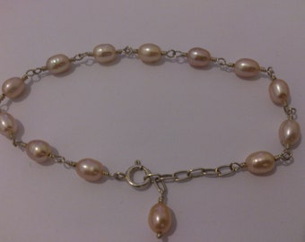 pretty sterling silver and pale pink fresh water pearl bracelet