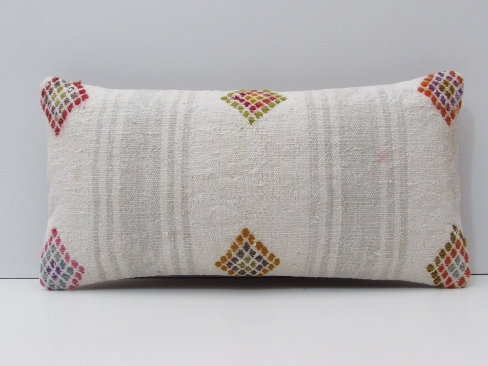 White Cream Throw Pillows : white throw pillow cream kilim cushion by DECOLICKILIMPILLOWS