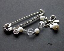 Spindle rod crystals silver node